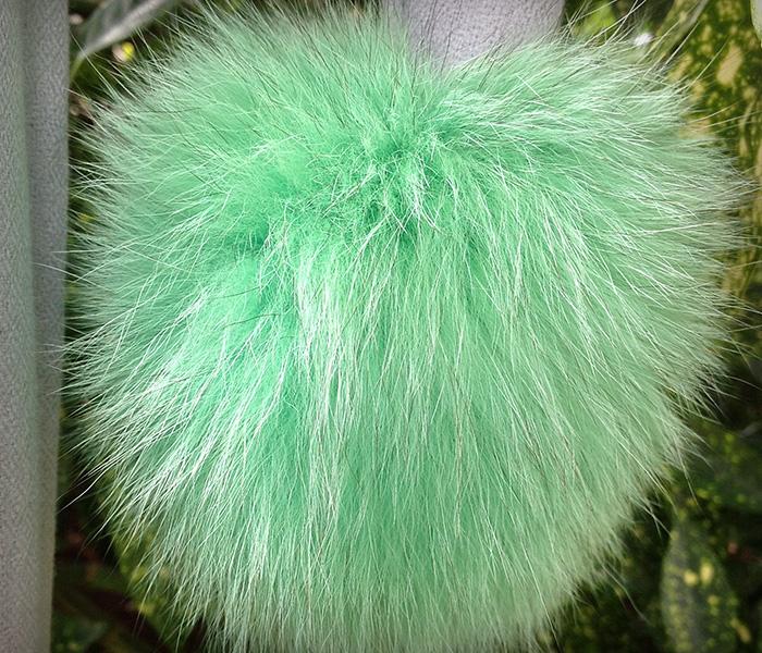 Giant-Pom-Pom-Green-Grey-2