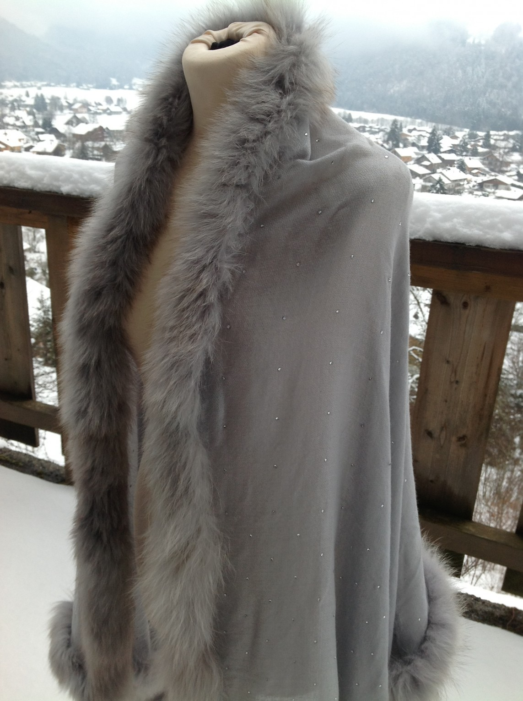 Grey Hollywood Crystal