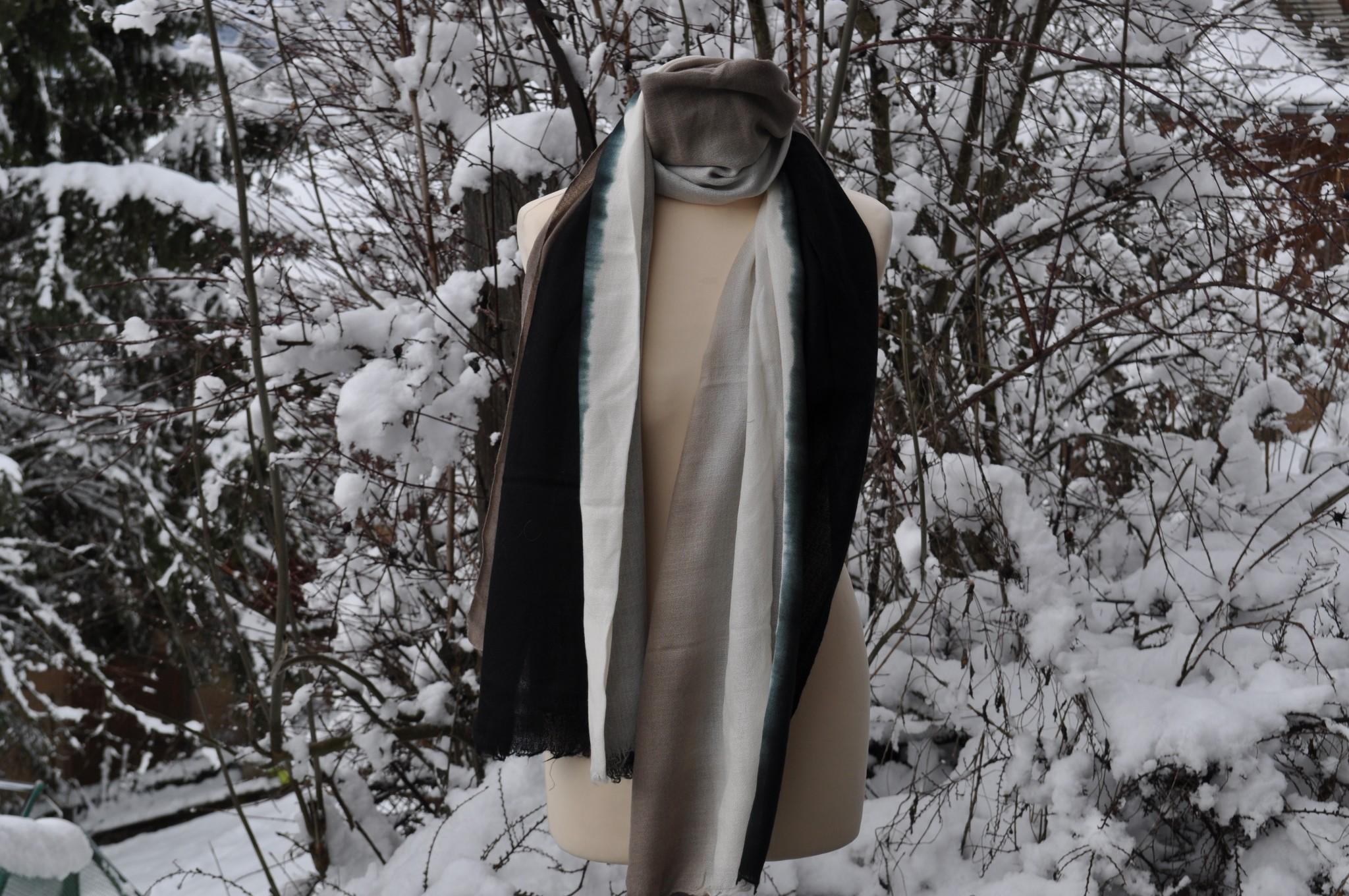cashmere scarf black crem cameltied