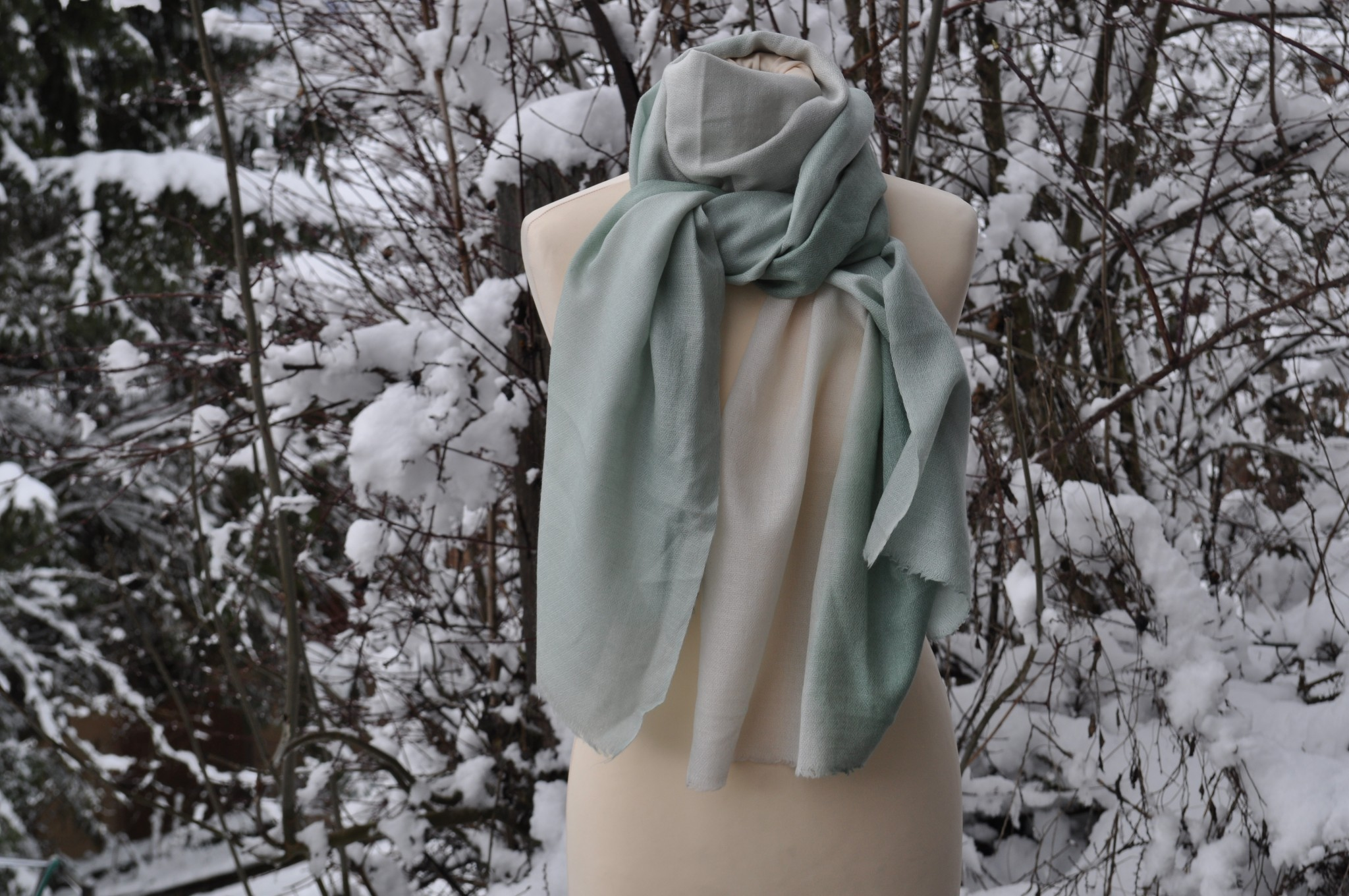 cashmere scarf green tied